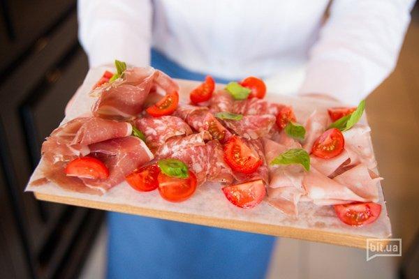 Мясные антипасти на двоих – 160 грн