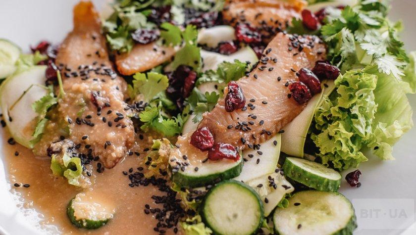 Хитоми с рыбой тилапией и черным кунжутом – 109 грн