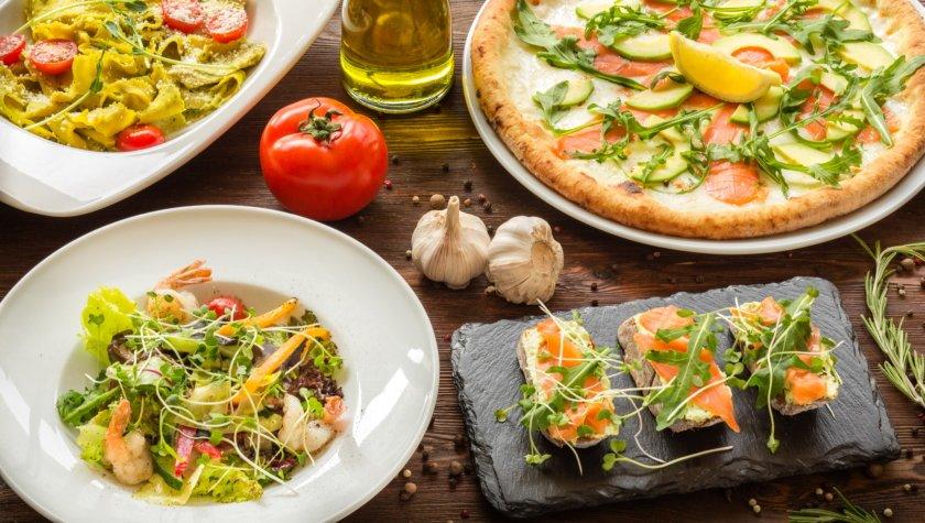 Пицца «Дивино ди Селмон» – 175 грн; салат с креветками – 125 грн; паста ди песто – 95 грн; брускетта с лососем – 79 грн
