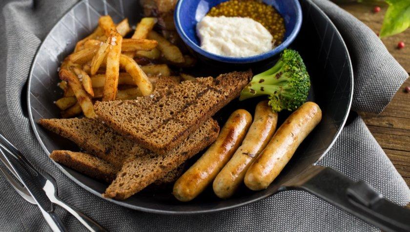 Сковородка жареных колбасок от шефа – 105 грн