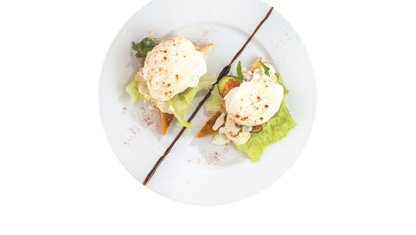 Яйца бенедикт с лососем – 75 грн