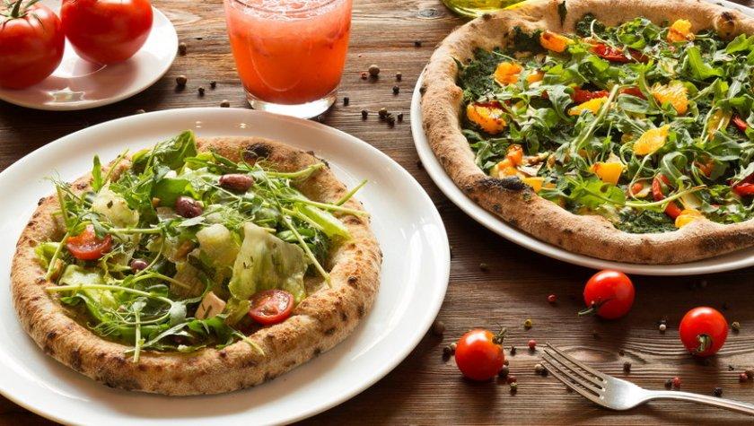 Веганская пицца – 119 грн; салат-пицца – 89 грн