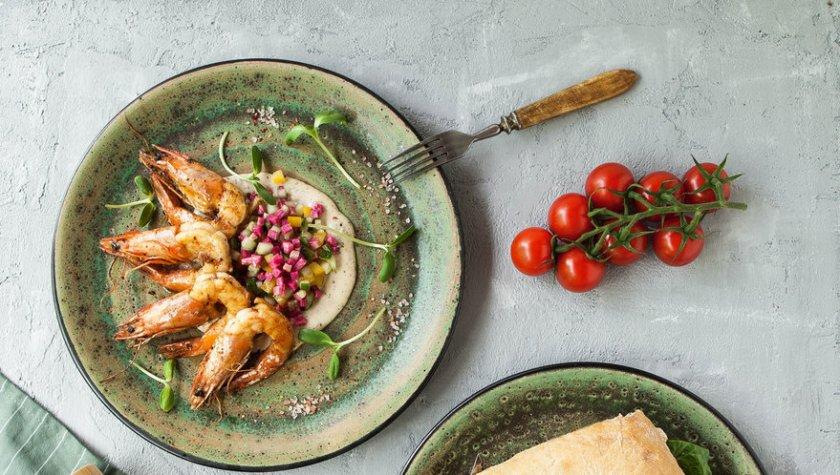 Чиабатта с телятиной, томатами и ореховым соусом – 79 грн
