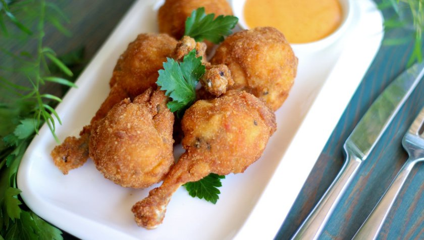 Куриные крылышки, фаршированные овощами и кунжутом с майонезом кимчи – 87 грн