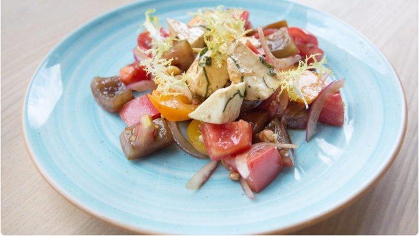 Салат из пяти видов томатов — 95 грн