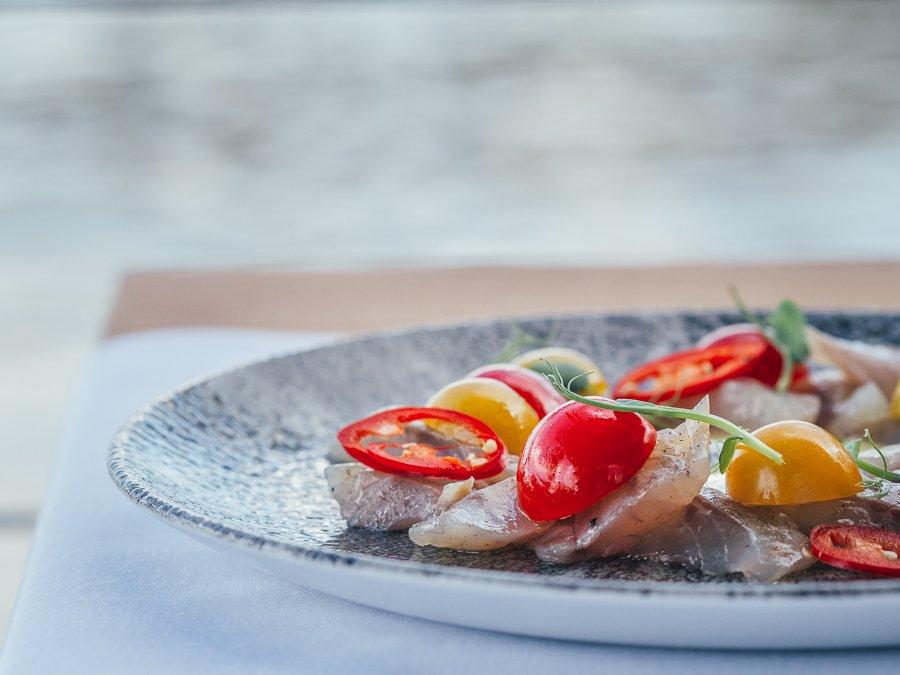 Севіче з лаврака з лаймово-імбирним соусом (188 грн) Photo by Oleksii Tovpyha